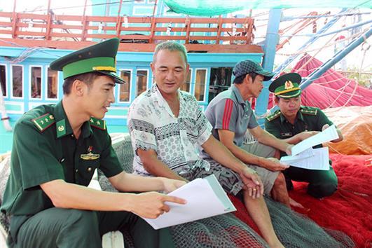Nâng cao nhận thức của ngư dân về khai thác IUU